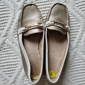 Aerosoles Gold and Cream Loafers
